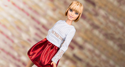 Barbie Plays to Fans with @BarbieStyle Instagram Account